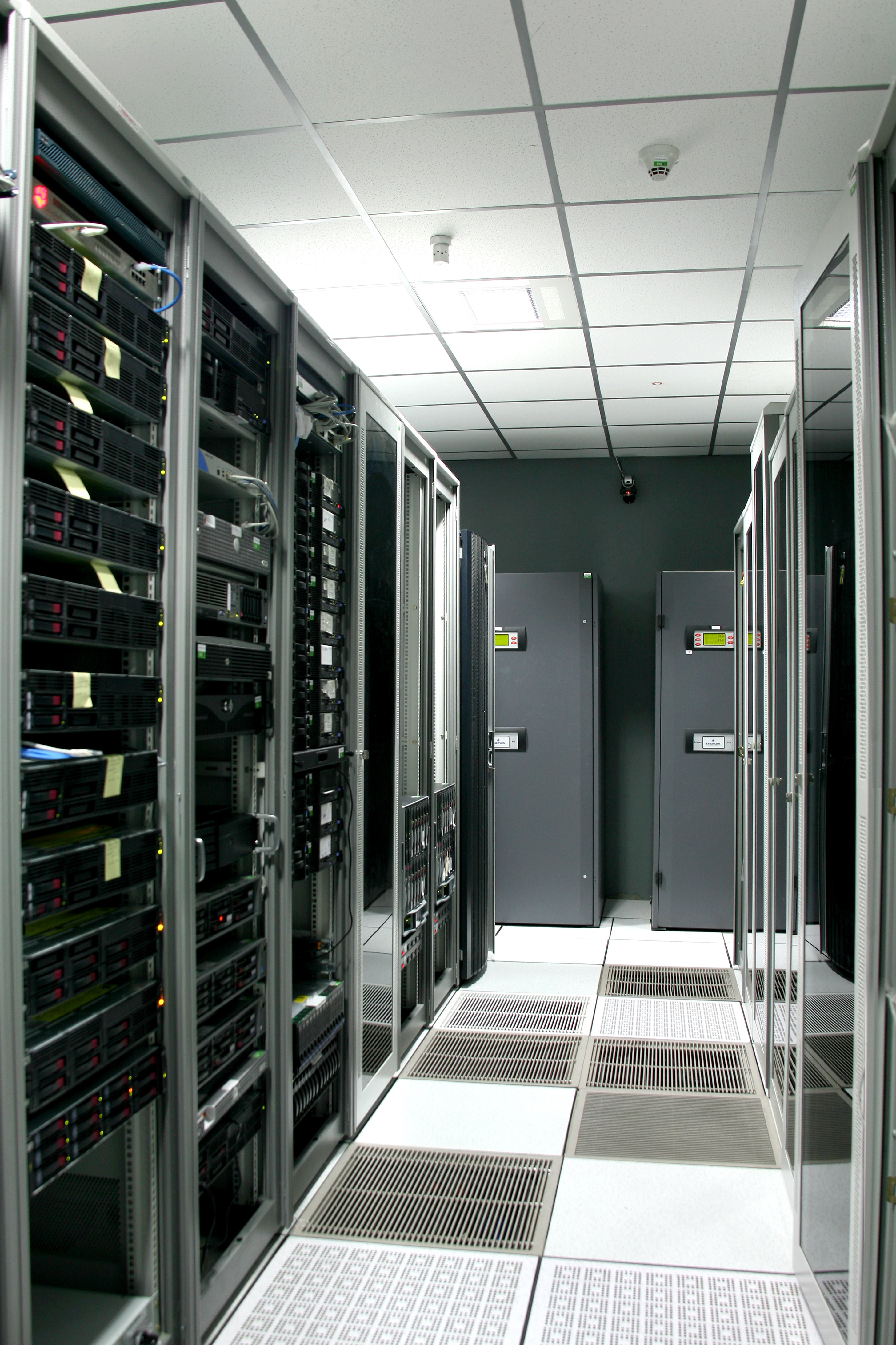 ciscos compelling vision for the data center includes ucs - HD2912×4368
